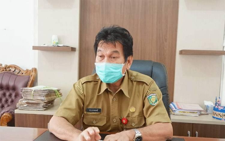 Kepala Dinas Perindustrian Perdagangan Koperasi dan UMKM Kota Palangka Raya, Rawang.