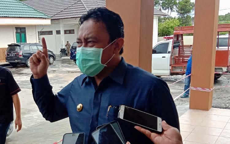 Bupati Pulang Pisau, H Edy Pratowo menegaskan bahwa usulan anggaran percepatan penanganan virus corona dari masing-masing SOPD harus sesuai realita dan bisa dipertanggungjawabkan, Kamis, 9 April 2020.