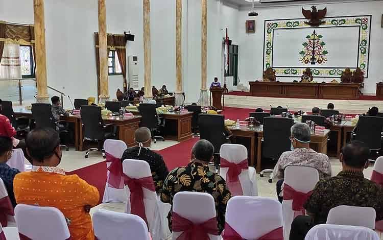 Pelaksanaan rapat paripurna aula sidang DPRD.