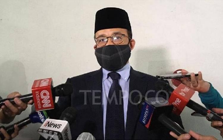 Gubernur DKI Jakarta Anies Baswedan usai menghadiri rapat paripurna DPRD tentang pemilihan wakil gubernur. Senin 6 April 2020. Tempo/Taufiq Siddiq