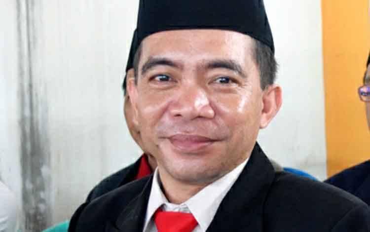 Plt Kepala Dinas Pendidikan Kabupaten Barito Utara, Syahmiludin A Surapati.