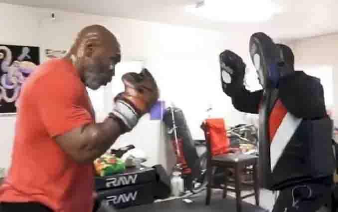 Mike Tyson berlatih tinju karena akan naik ring lagi, 1 Mei 2020. (Instagram/Mike Tyson)