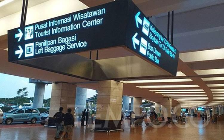 Suasana di Terminal 2 Bandara Soekarno Hatta, Tangerang, Ahad, 22 Maret 2020. (foto : TEMPO/Subekti)