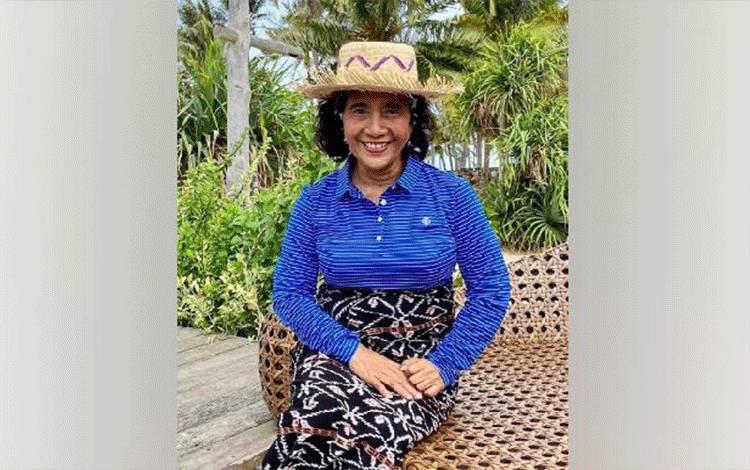 Susi Pudjiastuti saat berada di Pulau Rote, Nusa Tenggara Timur. Foto diunggah di Instagram pada 12 Januari 2020. Instagram.com/@susipudjiastuti115