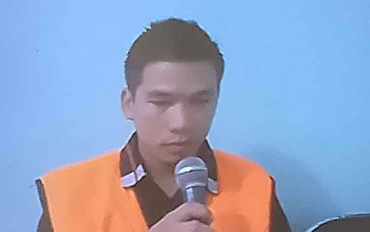 Sidang kasus illegal loging dengan terdakwa Ari alias Itak.