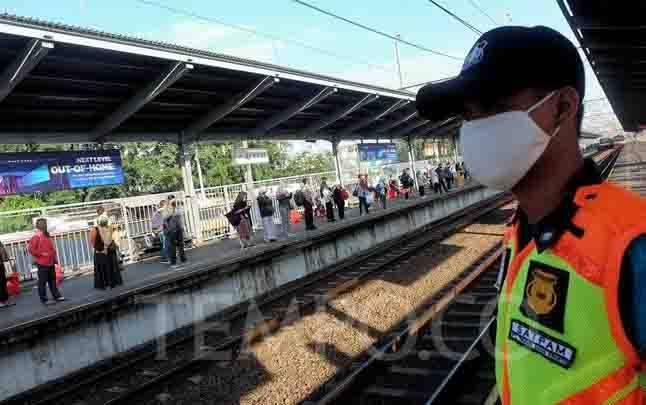 Suasana Stasiun Bekasi saat penerapan PSBB tahap kedua, di Jawa Barat, Selasa, 5 Mei 2020.