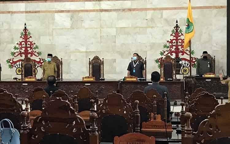 Suasana saat DPRD Kapuas gelar rapat paripurna, Senin siang, 18 Mei 2020