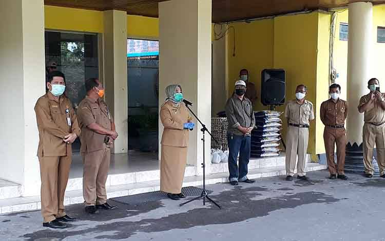 Bupati Kobar Hj Nurhidayah sampaikan tidak ada penambahan pasien positif covid-19 di Kobar.
