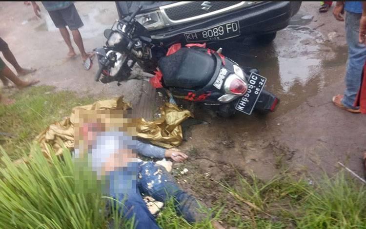 Korban laka lantas yang terjadi di Jalan Jendral Sudirman Sampit, yang membuat seorang korban tewas.