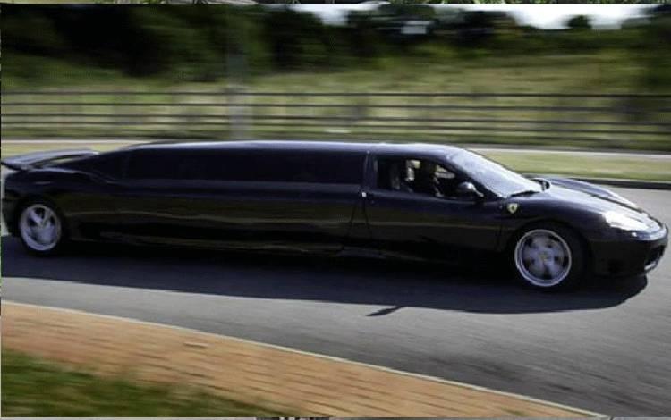 Limusin Ferrari 360 Modena buatan Dan Cawley, Style Limousines. (Autoevolution)