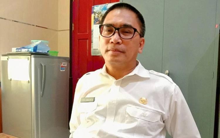 Kepala BPPKAD Kabupaten Pulang Pisau, Toni Harisinta menjelaskan bahwa pengangkatan dan pemberhentian tenaga honorer merupakan kewenangan masing-masing kepala SOPD, Rabu, 27 Mei 2020.