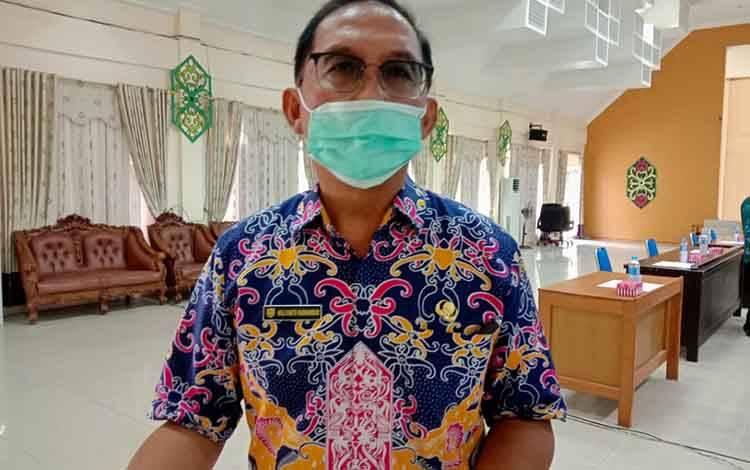 Kepala Dinkes Kabupaten Pulang Pisau, dr Muliyanto Budihardjo menjelaskan terkait jalur masuk virus corona dan cara mencegahnya, Kamis, 28 Mei 2020