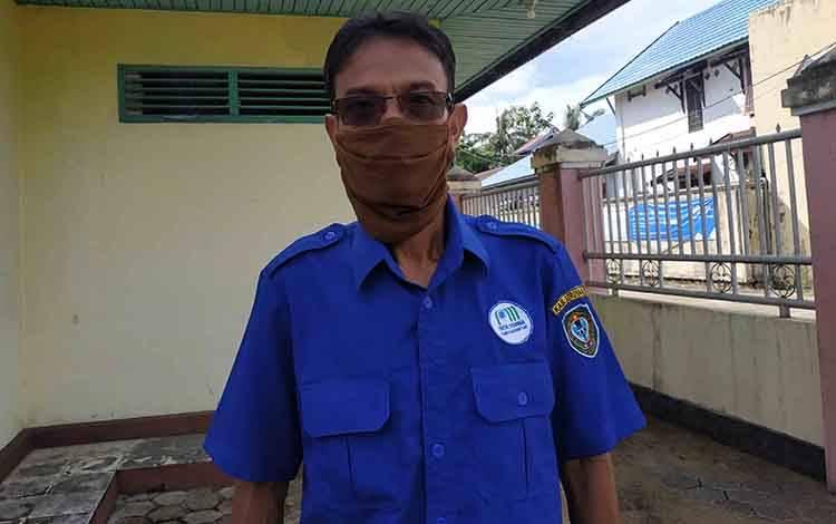 Direktur PDAM Kuala Pembuang, Ilyas