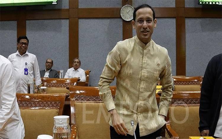 Mendikbud Nadiem Makarim saat mengikuti rapat kerja dengan Komisi X DPR RI di Kompleks Parlemen, Senayan, Jakarta, Kamis, 20 Februari 2020. (foto : TEMPO/M Taufan Rengganis)
