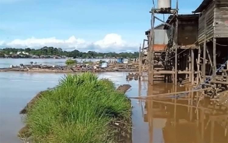 DAS Katingan wilayah Kasongan mulai menyurut akibat curah hujan turun.