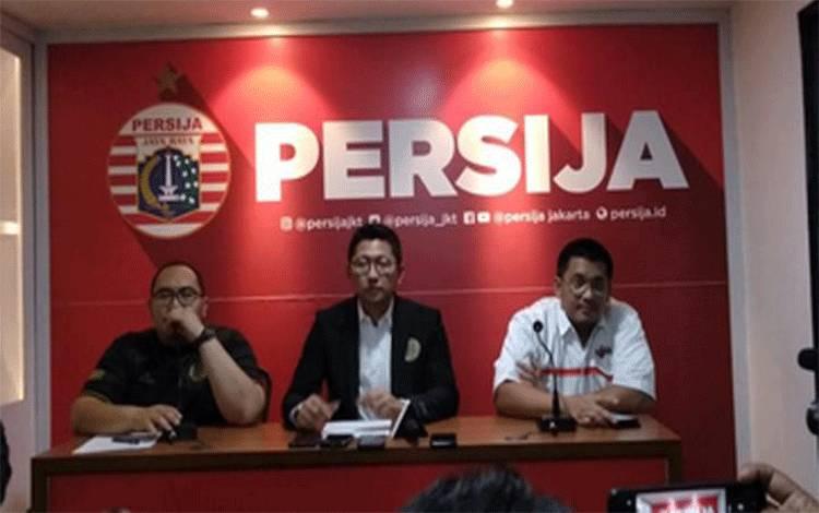 Presiden Persija Jakarta dan Ketua The Jakmania Dicky Soemarno menjelaskan konsep launching klub berjuluk Macan Kemayoran yang bakal berlaga di Liga 1 2020, Rasuna Said, Jakarta, Jumat, 21 Februari 2020. TEMPO/Irsyan