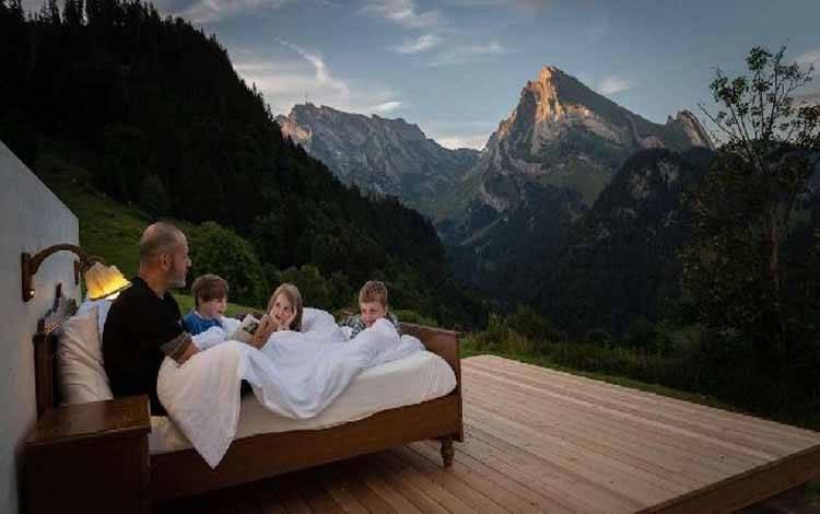Zero Real Estate hotel dengan konsep tidur di alam terbuka. Foto: Toggenburg Turismus