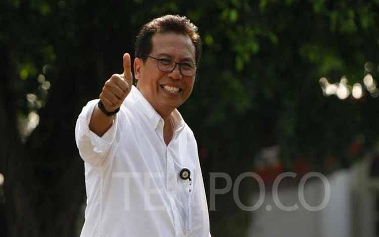 Staf Khusus Bidang Komunikasi sekaligus Juru Bicara Presiden Joko Widodo Fadjroel Rachman tiba di Komplek Istana Kepresidenan, Jakarta, Selasa 22 Oktober 2019. TEMPO/Subekti