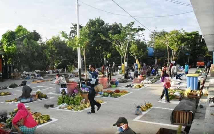 Kondisi Pasar Bebas Banjir Muara Teweh dalam rangka new normal.