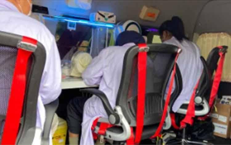 Mobil PCR BNPB yang dikirim ke Surabaya, 28 Mei. (Humas Pemprov Jatim)