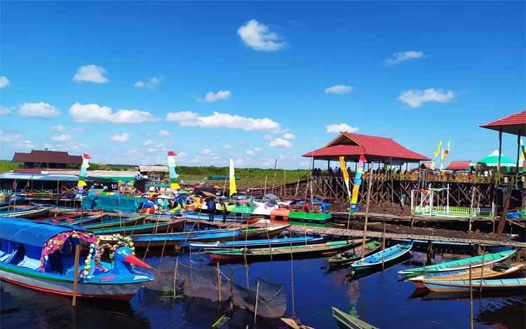 Dermaga Kereng Bangkirai salah satu destinasi wisata di Palangka Raya