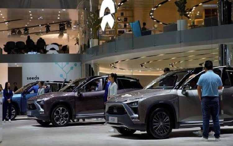 Mobil listrik NIO ES8 dipamerkan di Shanghai auto show, Shanghai, Cina 17 April 2019. (foto : REUTERS/Aly Song)