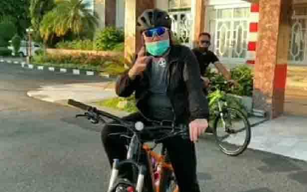 Gubernur Kalteng, Sugianto Sabran menggelorakan semangat berolahraga, Minggu, 14 Juni 2020.