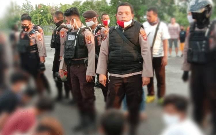 Tujuh anak remaja saat diamankan Polisi, Senin 22 Juni 2020.