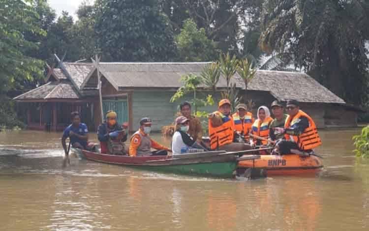 Rumah warga di Kecamatan Arut Utara yang terendam banjir.
