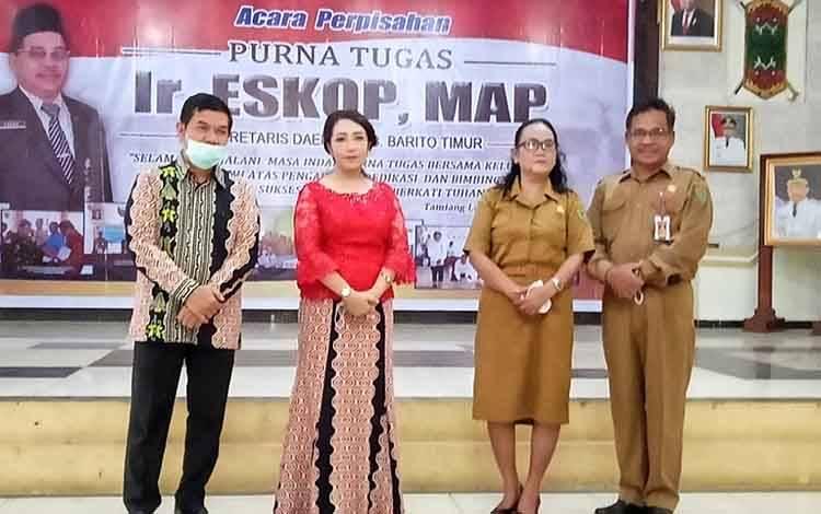 Bupati Barito Timur Ampera AY Mebas dan Eskop bersama istri masing-masing