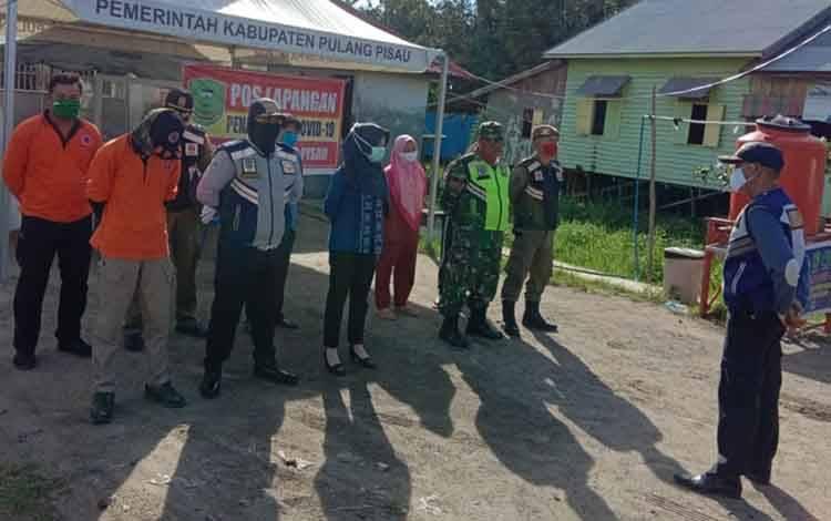 Tim Pos Lapangan Gugus Tugas Kabupaten Pulang Pisau terus melaksanakan tugas pengawasan dengan diperpanjangnya tanggap darurat Covid-19