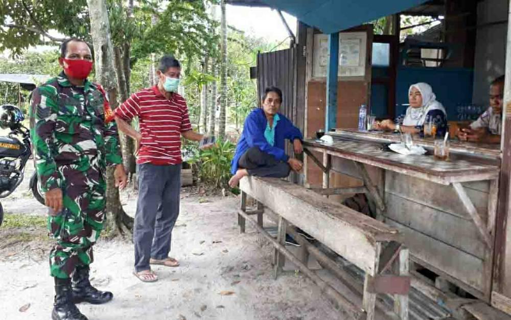 Tim Zona 2 Pahandut saat mendatangi permukiman warga di Jalan Duta II Palangka Raya.