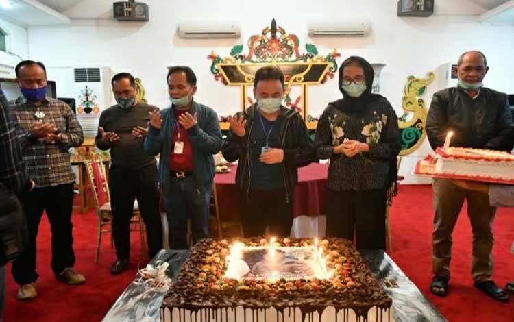 Perayaan ulang tahun Sugianto Sabran ke 47 di rumah jabatan, Isen Mulang pada Minggu 5 Juli 2020