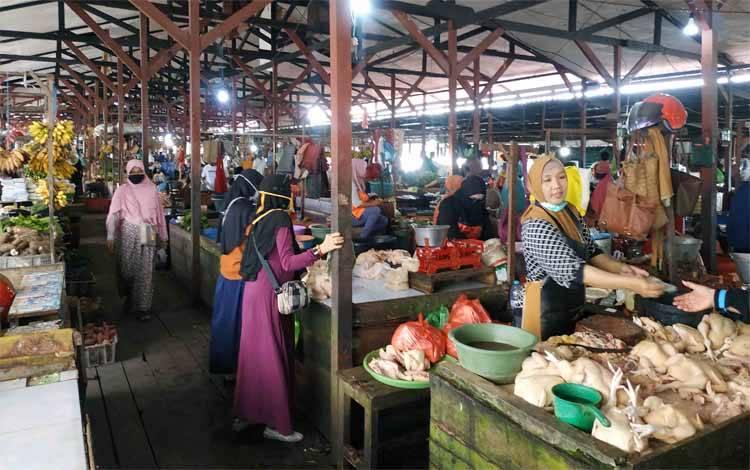Pasar sayur dan ikan Kuala Pembuang