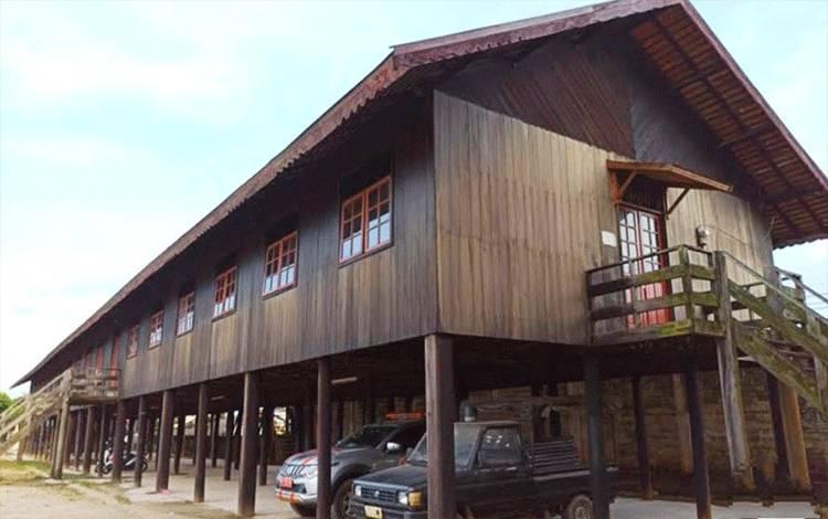 Rumah Betang Muara Teweh.