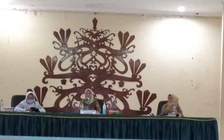 Rapat Koordinasi persiapan status siaga darurat Pemko Palangka Raya.