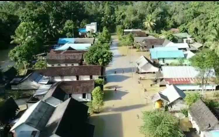 Kondisi perkampungan Desa Lubuk Hiju dari udara. (foto istimewa)