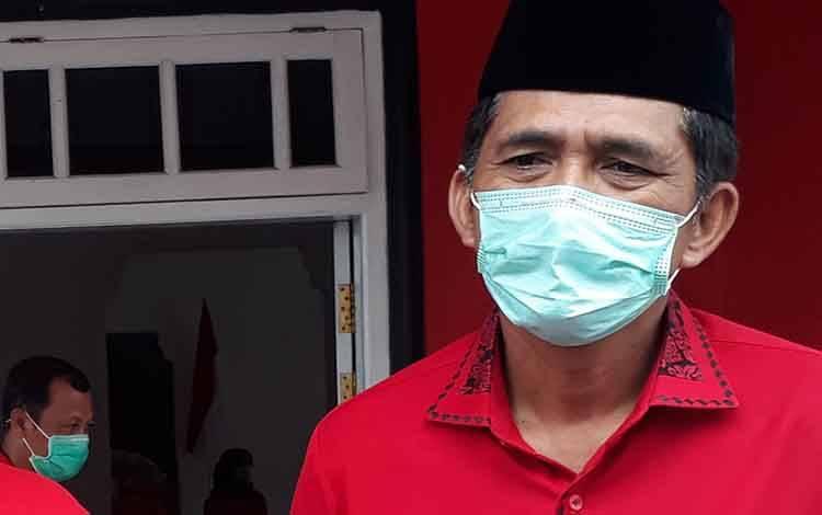 Wakil Ketua I DPRD Kobar Mulyadin, meminta hentikan pungutan di sekolah.