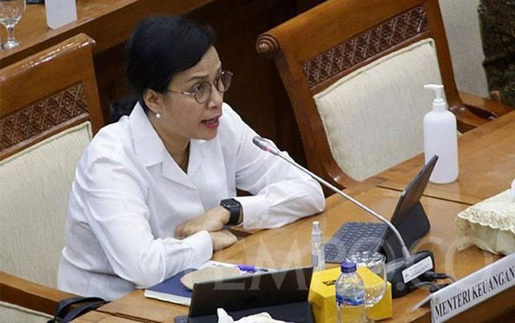 Menteri Keuangan Sri Mulyani memberikan pemaparan saat rapat kerja dengan Komisi XI DPR RI di Kompleks Parlemen Senayan, Jakarta, Senin, 29 Juni 2020. (foto : TEMPO/M Taufan Rengganis)