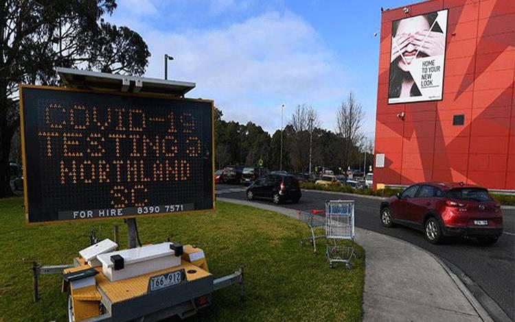 Fasilitas pengujian virus corona yang disediakan saat Victoria mengalami peningkatan kasus Covid-19, di Melbourne, Australia, 24 Juni 2020. AAP Image/James Ross via REUTERS