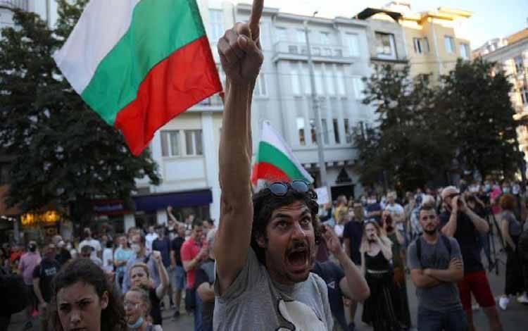 Demonstrasi anti-korupsi di Bulgaria terjadi pada Sabtu, 11 Juli 2020 menuntut pengunduran diri PM Boyko Borissov.