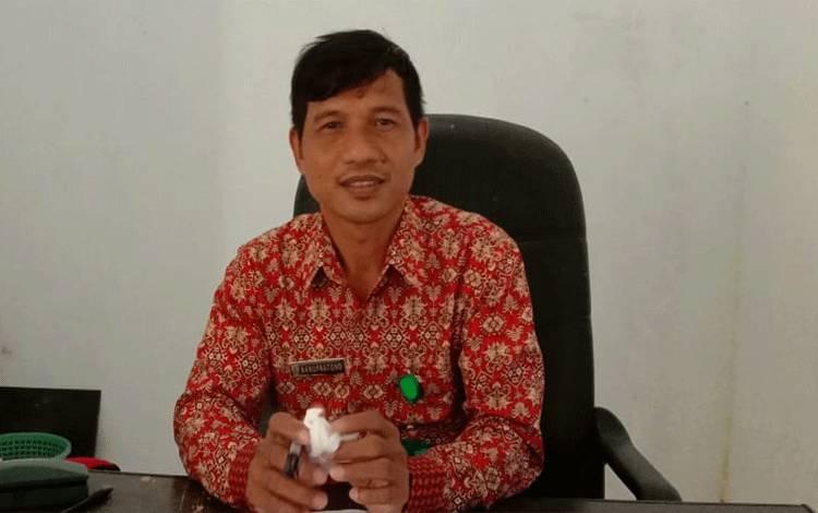 Kepala UPTD Dinas Pendidikan, Kecamatan Paku, Nanu Pratono, S.Pd.