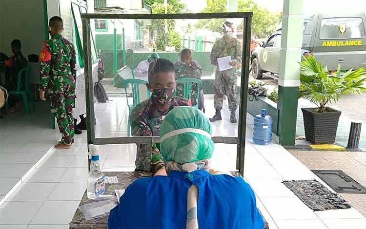 Kegiatan rapit test untuk personel baru di jajaran Korem 102 Panju Panjung