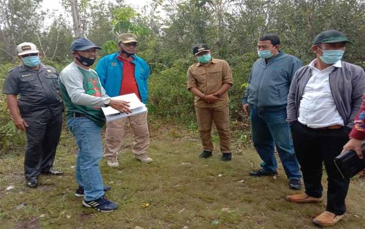 Wakil Bupati Katingan Sunardi Litang dan rombongan memantau rencana pembangunan Rumah Sakit Pratama di Tumbang Samba