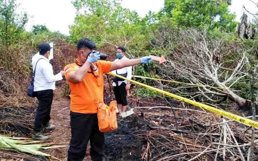 Olah TKP karhutla di Kelurahan Petuk Katimpun, Palangka Raya, Senin, 3 Agustus 2020.