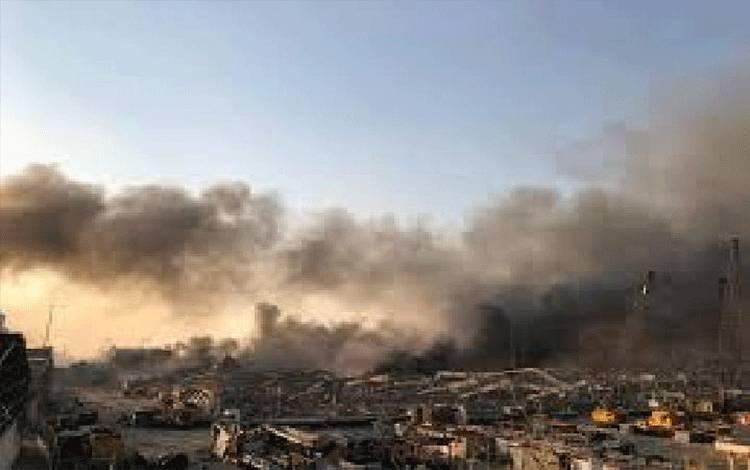 Ledakan besar terjadi di sebuah gudang di Beirut pusat, Lebanon, pada Selasa sore, 4 Agustus 2020, dan menewaskan sekitar 80 warga. Reuters