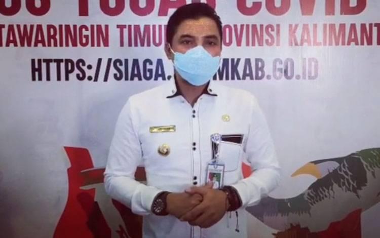 Bupati Kotim Supian Hadi meminta masyarakat agar menghargai jasa pahlawan, dengan memasang bendera merah putih yang layak.