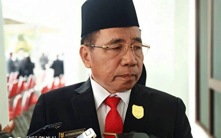 Ketua DPRD Gunung Mas, Akerman G. Sahidar