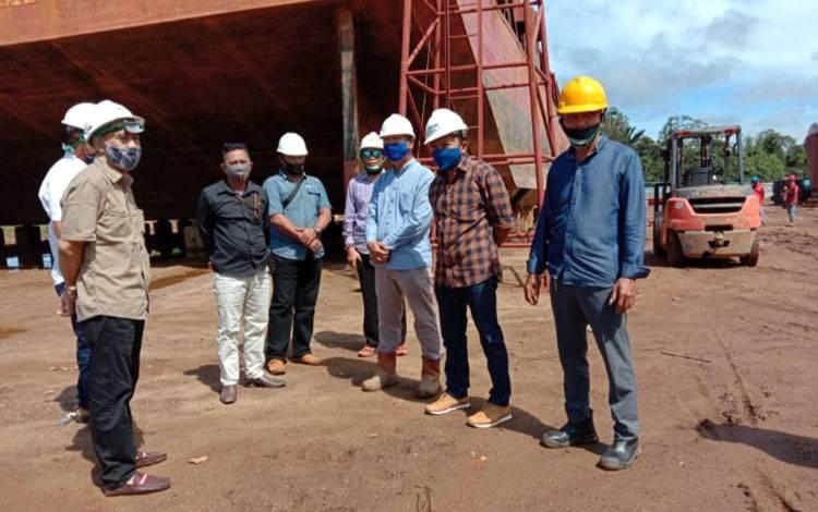Kunjungan Komisi IV DPRD Kotawaringin Timur ke PT Fushur Galangan.