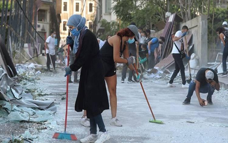 Warga Lebanon Minta Bantuan Macron Pasca Ledakan di Beirut